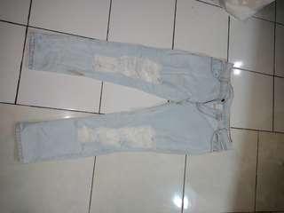 jeans ripped tdk tembus