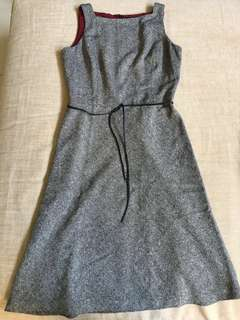 Ann Taylor Gray Sleeveless Dress with Black Thin Leather Belt