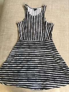 H & M Black & White Sleeveless Dress