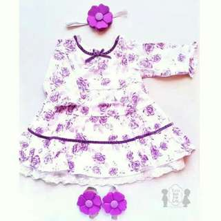 VINTAGE LONG SLEEVED LACE EYELET FLORAL DRESS WITH MATCHING HEADBAND AND BAREFOOT SANDALS SET SIZE 3 MONTHS (WHITE VIOLET)