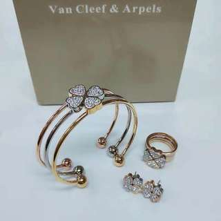 VCA NECKLACE/EARRING/BANGLE SET