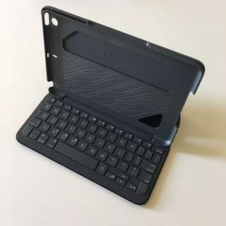 iPad mini 1/2/3 Logitech Bluetooth keyboard case black