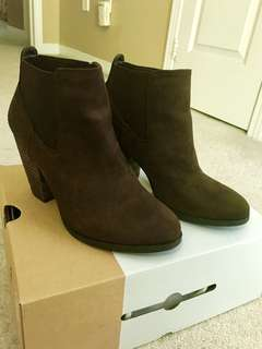 Brown Suede Ankle Boots (Size 9)