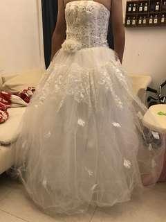 純白齊地婚紗
