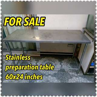 Stainless preparation table