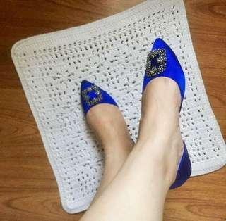 Pre-loved flat shoes