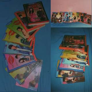 HE'S INTO HER BOOKS (SET)S1 PREMIUM