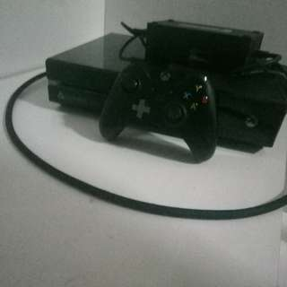 Xbox One 500GB good condition