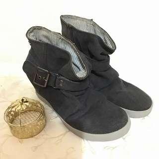 Roxy Boots Shoes Low Top Size 8 Women US Authentic