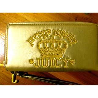 Juicy Couture Wallet in Gold
