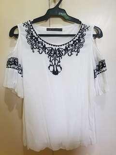 Bakuna white blouse