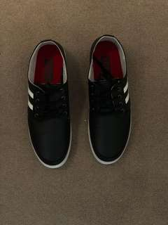 Solo Men's shoes, size 8.5 black