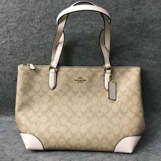 On Hand! Coach Tote Bag