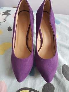 Parisian shoes/ pumps
