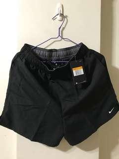 🚚 nike 短褲 xs號 英國帶回保證正品!
