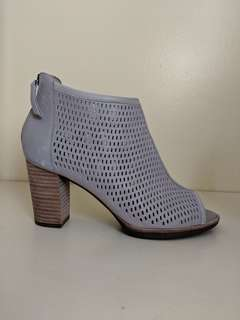 *BRAND NEW* GEOX Suede ankle booties SZ 8