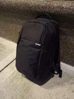 INCASE Dslr Backpack