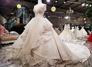 New High-end word shoulder lace flower Wedding Dress(customize)