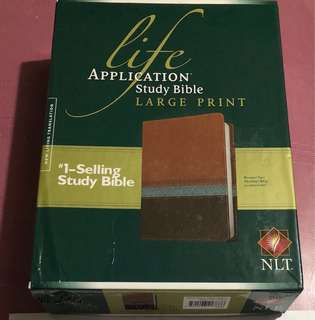 Life Application Study Bible NLT, Large Print from US BNEW