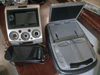 Stereo, dvd player, back up monitor.