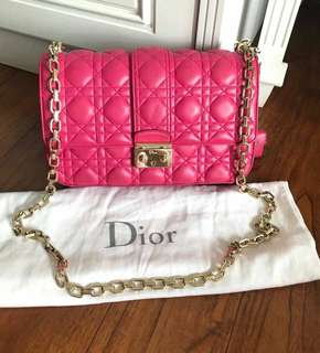 💯 % authentic Miss Dior Fuchia 2012 ,with dust bag only 17jt nett