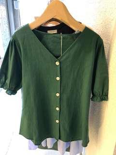 🚚 韓版 綠色上衣 我帶回來的只有ㄧ件喔