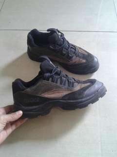 sepatu outdoor merk Giga