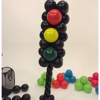 Traffic light balloon column