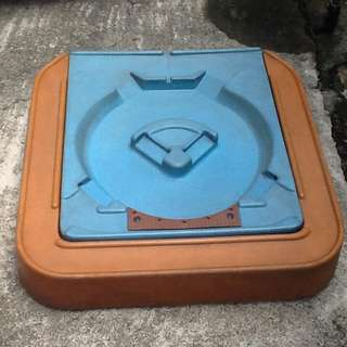 Little Tikes Sand/Toy  Box with cover