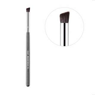 Sigma F66 ANGLED BUFF CONCEALER™ BRUSH #PayDay30
