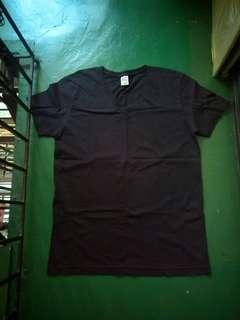 EDWIN V-Neck T-Shirt (Large)