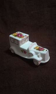 Vintage Fine Bone China Cottage Rose Collection - Vintage Car