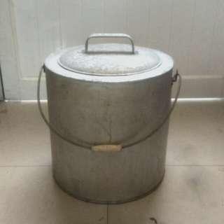 古早鋁製冰桶