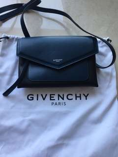 Givenchy 全新斜咩袋