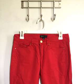 Like new! Authentic Mango MNG casual Red skinny jeans ankle zipper 26 27