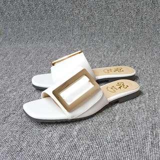 🚚 韓風簡約復古方型銅片休閒平底拖鞋歐美風(白米兩色)