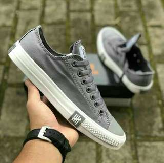 CONVERSE UNDEFEATED GREY
