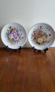 Vintage display plates
