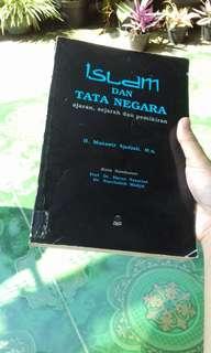 Islam dan Tata Negara: Ajaran, Sejarah dan Pemikiran by Munawir Sjadzali