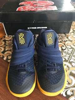 Nike Kyrie 2 preloved shoes