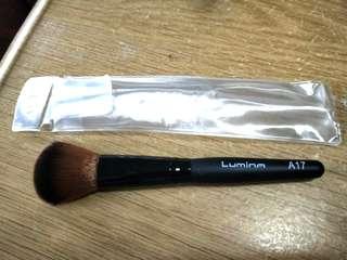 Lumina A17 Foundation Brush