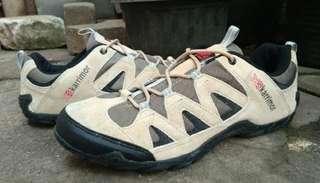 Jual sepatu