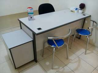 Dijual Meja + Laci + Kursi Kantor