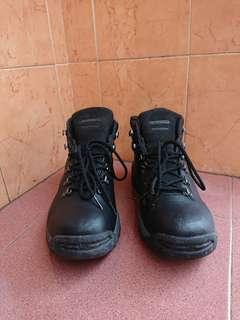 Sepatu Outdoor Hi-Tec