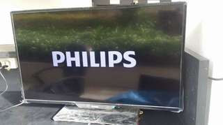 32 inches Phillips LED tv