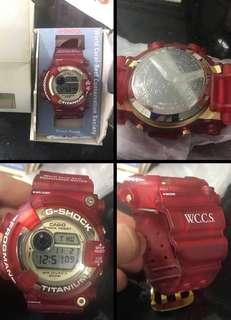 出售 WCCS Frogman  螢光紅 G Shock 中古品 購於日雅,99%中古品,齊盒,背後貼未撕,有正常使用痕跡,不合完美人
