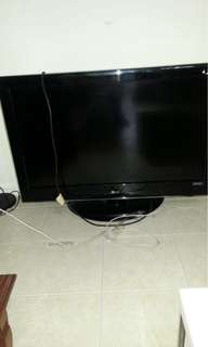 Used 42 inches LG tv