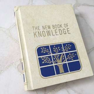 Set Of encyclopedia- The New Book Of Knowledge