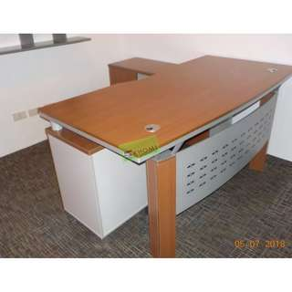 EXECUTIVE OFFICE TABLE_office partition-furniture*417-4081