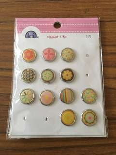 Badges Epoxy Fasteners for Scrapbooking or Craft design